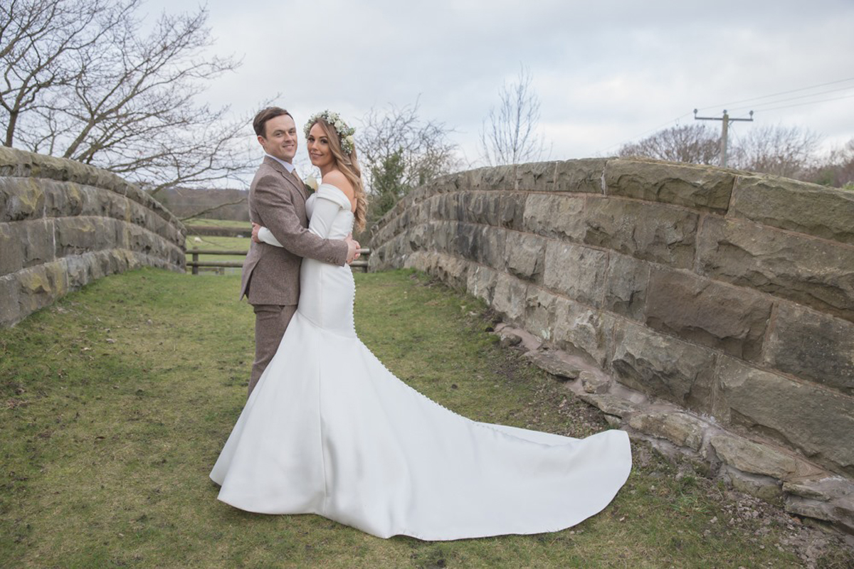 Glesni & Dewi's wedding video at Tower Hill Barns