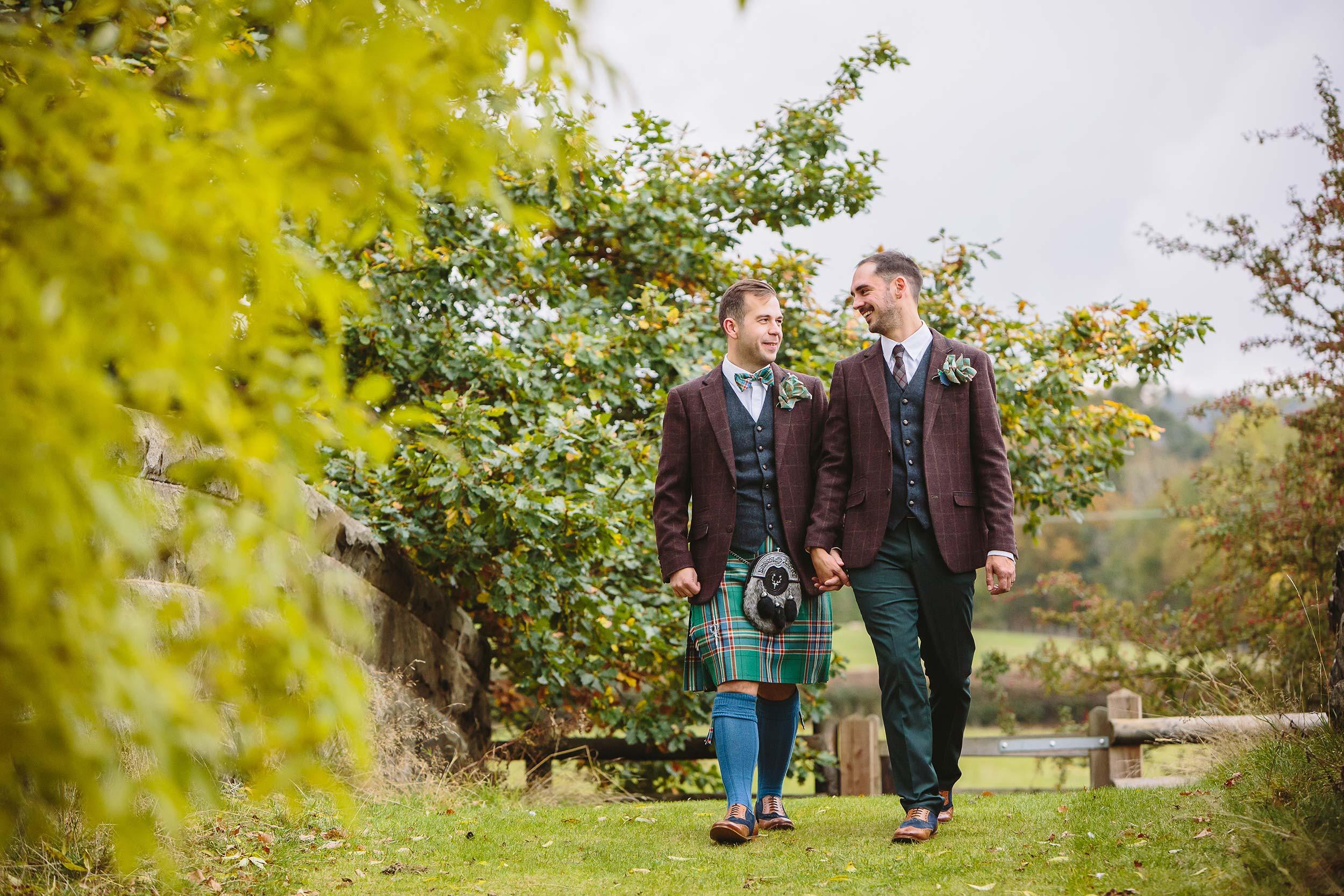 Tim-Tom-Tower-Hill-Barns-Gay-Wedding-Venue-Barnaby-Aldrick
